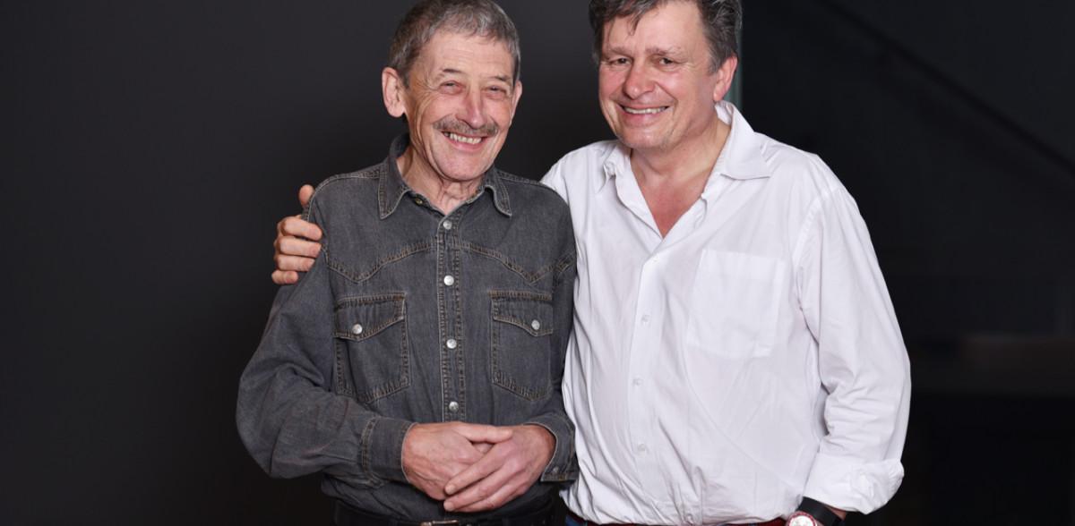 Zwei von DeinAdieu. Beirat Alois Birbaumer (l.) und Autor Martin Schuppli. (Foto: Daniela Friedli)