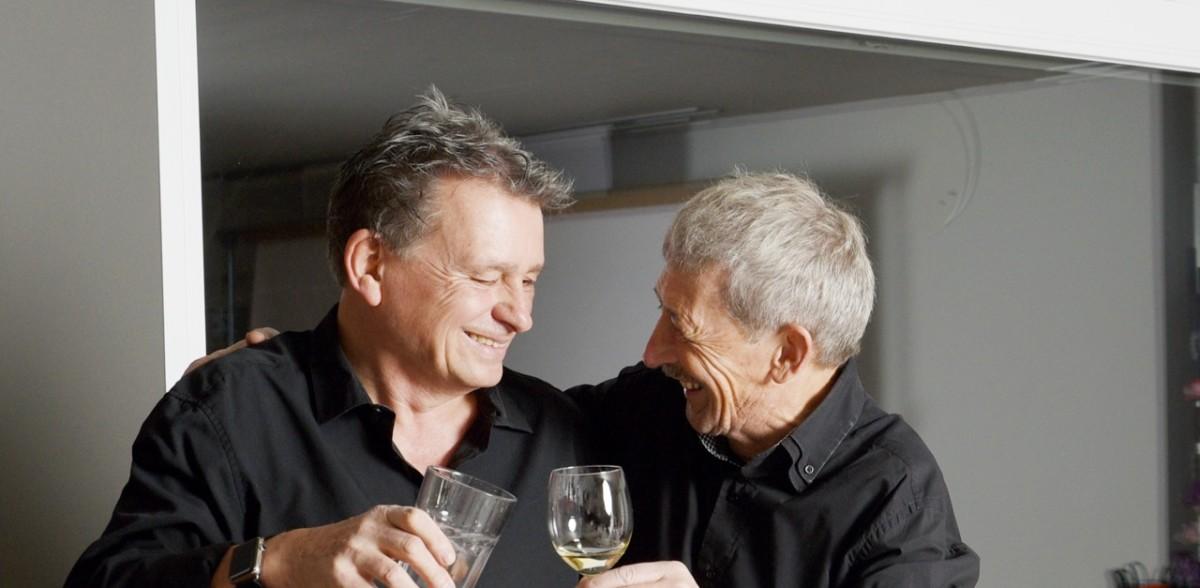 Alois Birbaumer und Martin Schuppli: Sie schreiben über den Tod und feiern das Leben. (Foto Daniela Friedli)